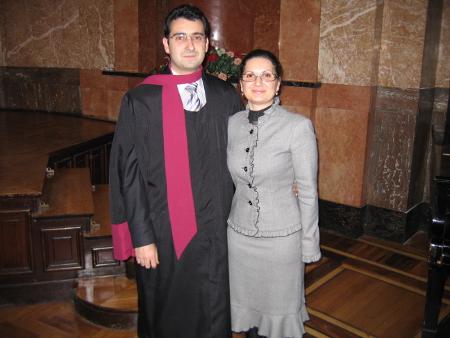 На 4-ти ноември 2009 г. Михаил Алексов се дипломира като магистър по Право на Европейския съюз, а половинката му Антония Атанасова бе приета за студент в следващия випуск на най-престижната магистърска програма в Алма Матер.
