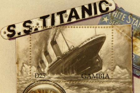 """Монахът Касиан дава за пример гибелта на """"Титаник"""", на носа на който имало надпис """"И Бог не може да го потопи""""."""