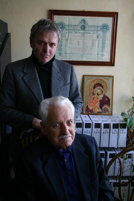 Две поколения, но с един непримирим морал – Анатол Василев Луканов и синът му Анатол-Весел Луканов през януари 2007 г.
