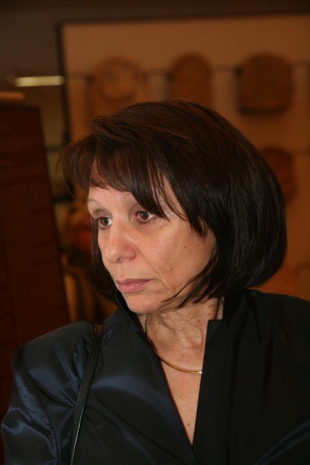 Проф. Жасмин Попова – фаворитът, който сам напусна борбата.