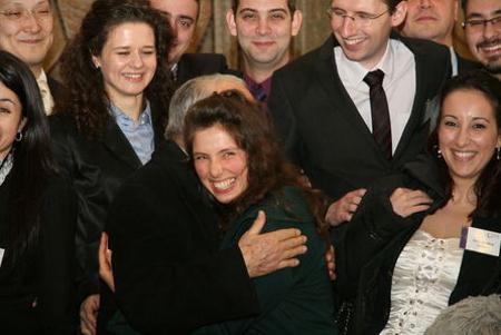 Най-добре представилата се българка Чудомира Джуркова в прегръдките на най-реномирания български международноправник проф. Александър Янков.