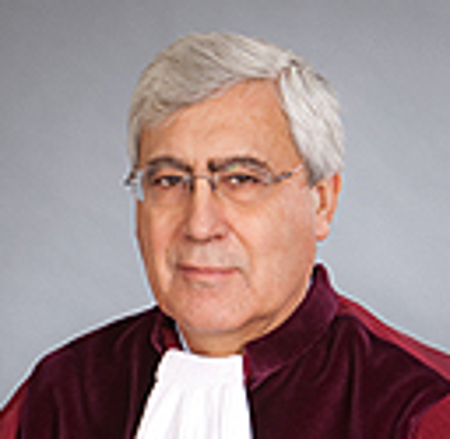 Генералният адвокат в Люксембург – испанецът Педро Круз Виялон