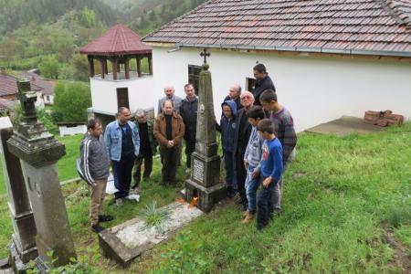 Българи в Босилеградско се поклониха на гроба на учителя Стою Попов, заклан на прага на къщата си в с. Долна Любата преди 97 от сръбски националисти.