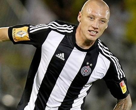 В резултат от скандала нашият национал Иван Иванов заигра в сръбския Партизан – Белград.